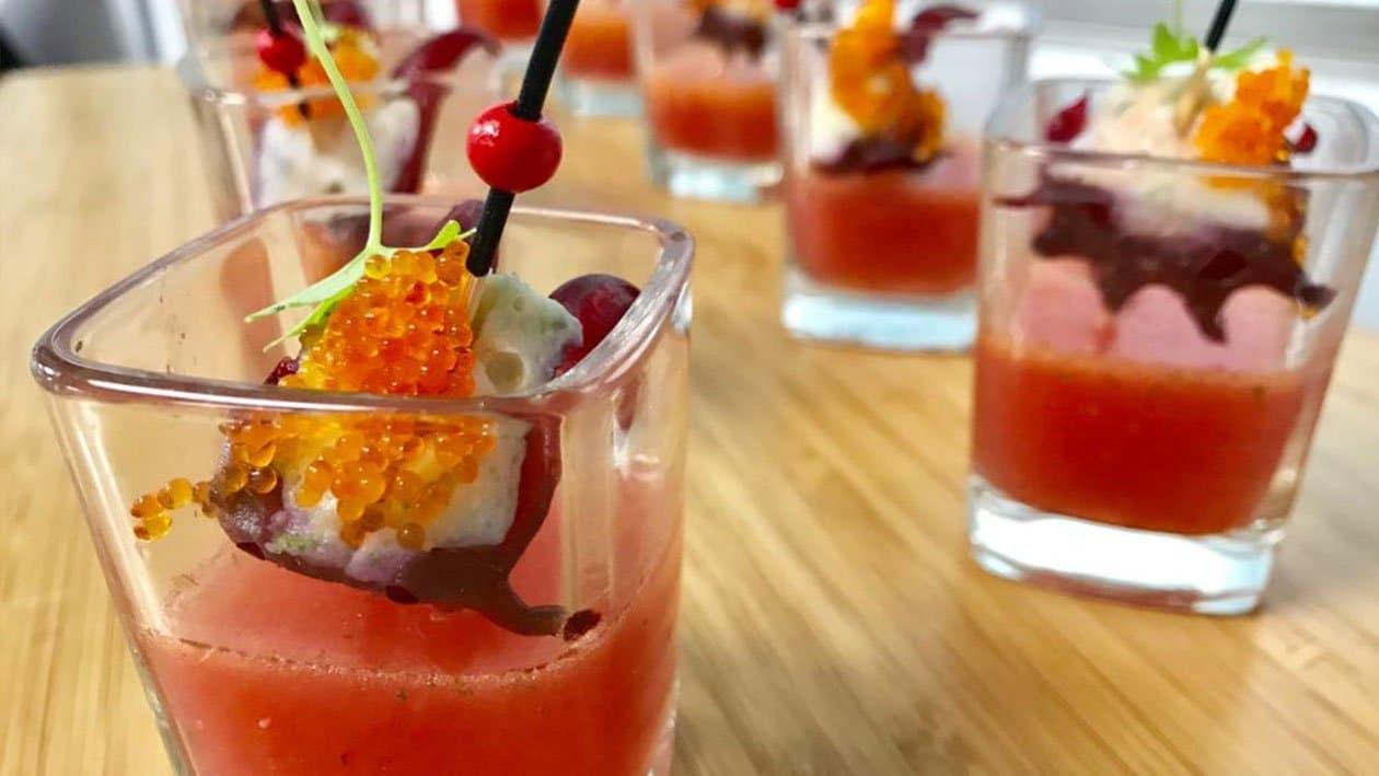 Bunga Rosel Berinti dengan Gazpacho Tembikai